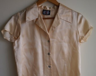 Vintage 90s Miss Shop Silk Peach Cream Ivory Short Sleeve Collared Button Down Shirt Blouse Small S