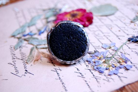 pierre volcanique bague d claration anneau noir bague bague. Black Bedroom Furniture Sets. Home Design Ideas