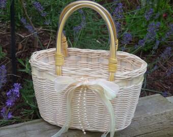 Wicker basket with handles. Flower girl basket/purse. Wicker purse Shabby Chic. Adorable.
