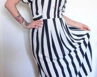 SALE - Vintage 1980s striped midi teadress, Nautical, UK size 12/14