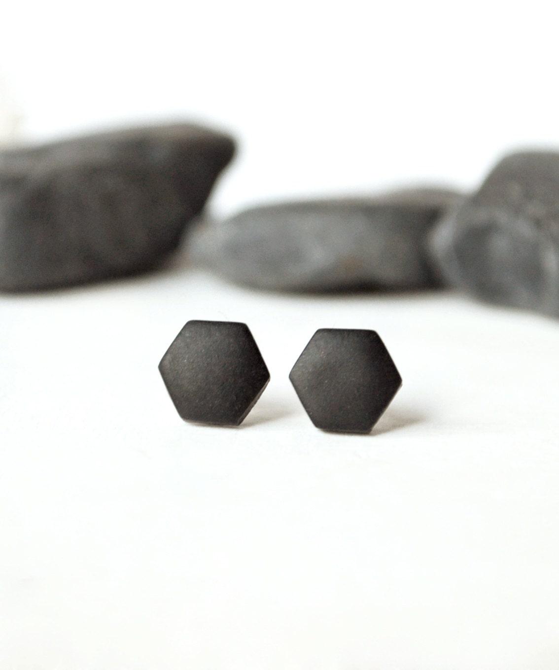 flat black earrings for men - photo #15