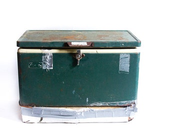 Vintage Coleman Cooler Green Coleman Metal Cooler Distressed Beat up Used and Abused Rusty Old Cooler Prop Re Purpose Garden Planter
