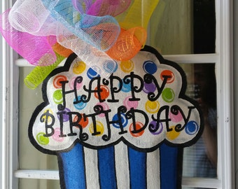 Cupcake burlap door hanger, Happy Birthday door hanger, Birthday decoration, Large size.
