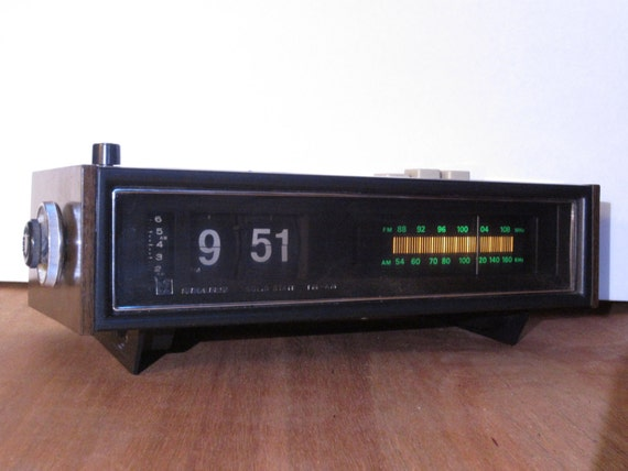 1970 39 s sears flip alarm clock radio large by flashbackfinds. Black Bedroom Furniture Sets. Home Design Ideas