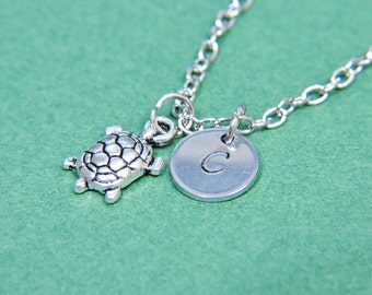 initial necklace, turtle necklace, silver turtle charm, animal jewelry, sea turtle necklace,beach jewelry,wedding party favor
