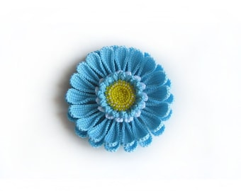 Knitted brooch Gerbera