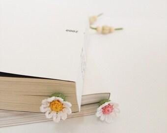 Crochet Daisy Flower Bookmark
