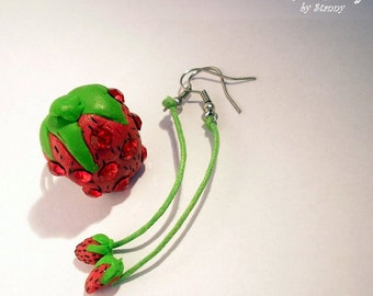 Set of ring and earrings strawberry