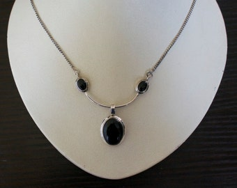 Stylish BLACK ONYX SILVER Necklace