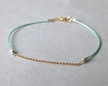 Delicate chain bracelet / Layering nylon bracelet / Sea foam