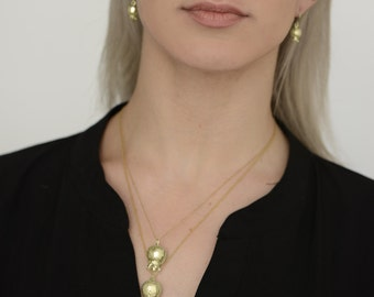 14K Gold Pomegranate Necklace , Gold Pomegranate Pendant , Pomegranate Jewelry , Pomegranate Charm