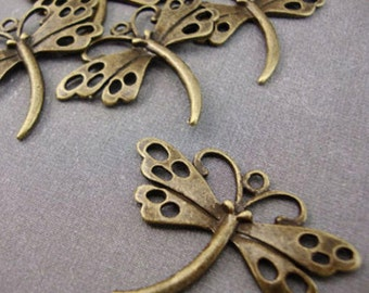 CH1 - 5 Antique Gold Plated Butterfly Charms Kitsch Bronze