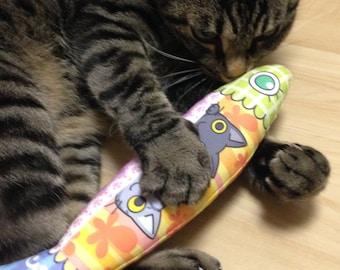 Cat Toys, japanese catnip, Cat Kicker, Silvervine, Neko Kicker, Matatabi, Japanese-silvervine, *Fish-type black cat  and tabby cat*
