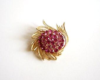 signed Lisner brooch . pink rhinestone brooch . designer vintage jewelry . rhinestone Lisner brooch . Lisner jewelry