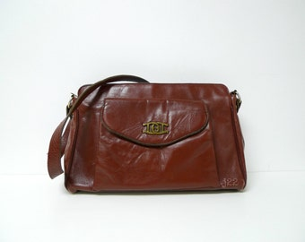 ETIENNE AIGNER . burgundy leather shoulder bag