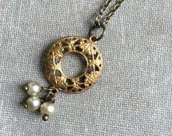 Filigree circle pearl drop pendant necklace. Tiedupmemories