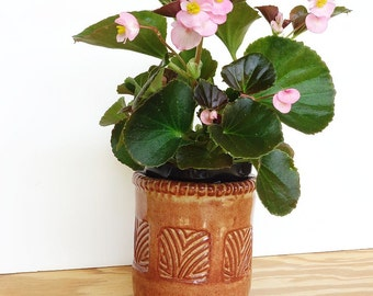 Stoneware Planter Pot in Shino Glaze