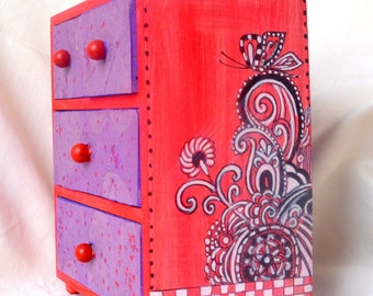 Zendoodle Art Chest. Decorative jewelry Chest.