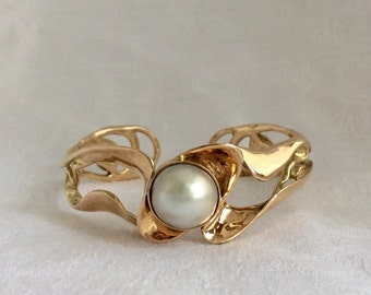 Ron Held 46 grams 14k Yellow Gold Mabe Pearl Braclet Cuff