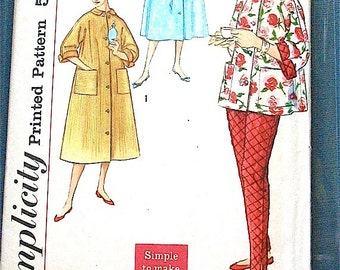 Simplicity 2310 Vintage 1960's Sewing Pattern misses two-piece lounging pajama and robe pattern. Bust 32 inches.