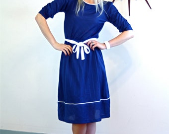 Vintage 70s Pinstripe Dress Navy Blue Short Puff Sleeve Original Belt Stripes Sassy Blousey White Piping Trim Nautical Knee Length 1970s