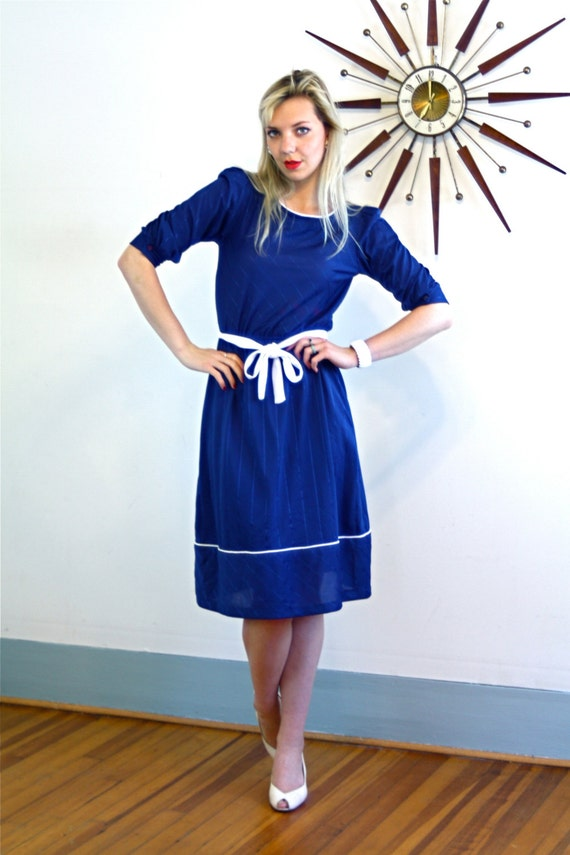 Vintage 70s Pinstripe Dress Navy Blue Short Puff Sleeve Original Belt Stripes Sassy Blousey White Piping Trim Nautical Knee Length 1970s