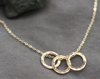 simple gold circle necklace, delicate simple everyday necklace, three hammered circles