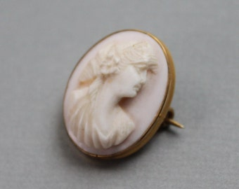 Victorian Carved Pink Shell Cameo Lace Pin / Grand Tour