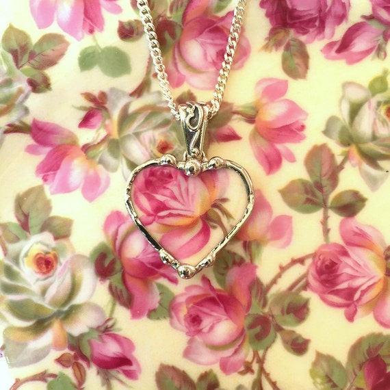 Broken china jewelry petite heart pendant necklace vintage pink rose chintz porcelain
