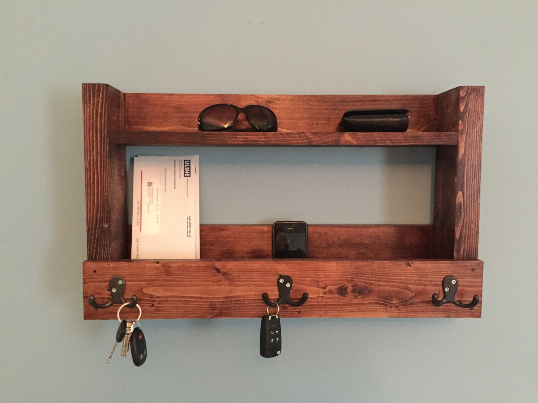 rustic entryway shelf key holder mail organizer cherry. Black Bedroom Furniture Sets. Home Design Ideas
