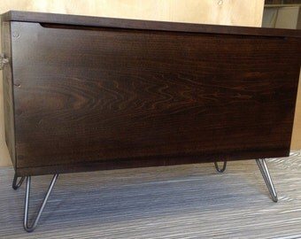 Modern/simple storage trunk/bench with hairpin legs