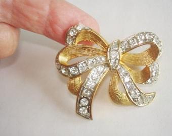 Vintage Jewelry Bow  Rhinestone Brooch Gold  Tone