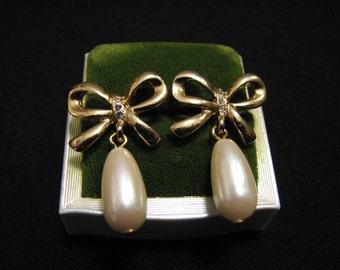 Vintage Gold Tone Diamond Rhinestone and White Faux Glass Pearl Teardrop Ribbon Bow Dangle Pierced Earrings