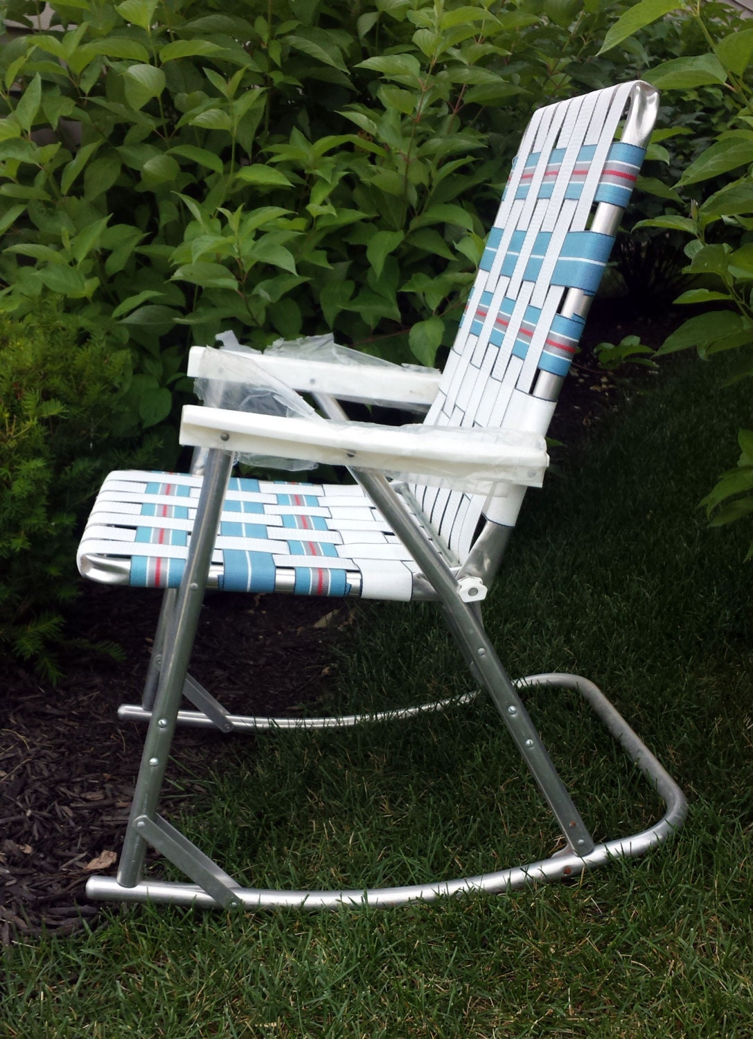 vintage aluminum webbed rocking lawn chairs folding patio