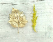 Vintage Golden Leaf Brooch 60s