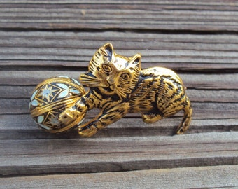Spain Damascene Cat and Ball Vintage Brooch Pin