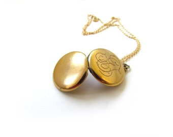 Antique Locket With Monogram GT c.1900