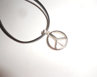 Sterling Peace Sign 60s Flashback Vintage Hippie Jewelry On 18 Inch Leather Cord