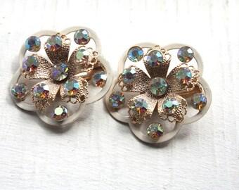 Vintage 1950s Earrings // 50s Floral Aurora Borealis Rhinestone Clip On Earrings // New Old Stock