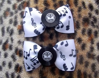 Pair of musical note Hair Bow clips with record centres