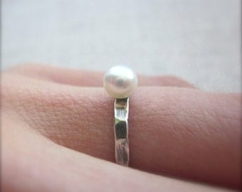 Little Pearl Ring