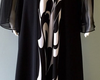 Vintage Chic 1970s Abstract Black and white Dress