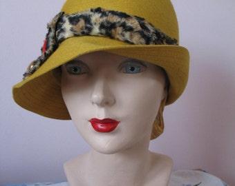 1950's Bucket  Hat, Mr John Elites, Yellow w/ Leopard Band