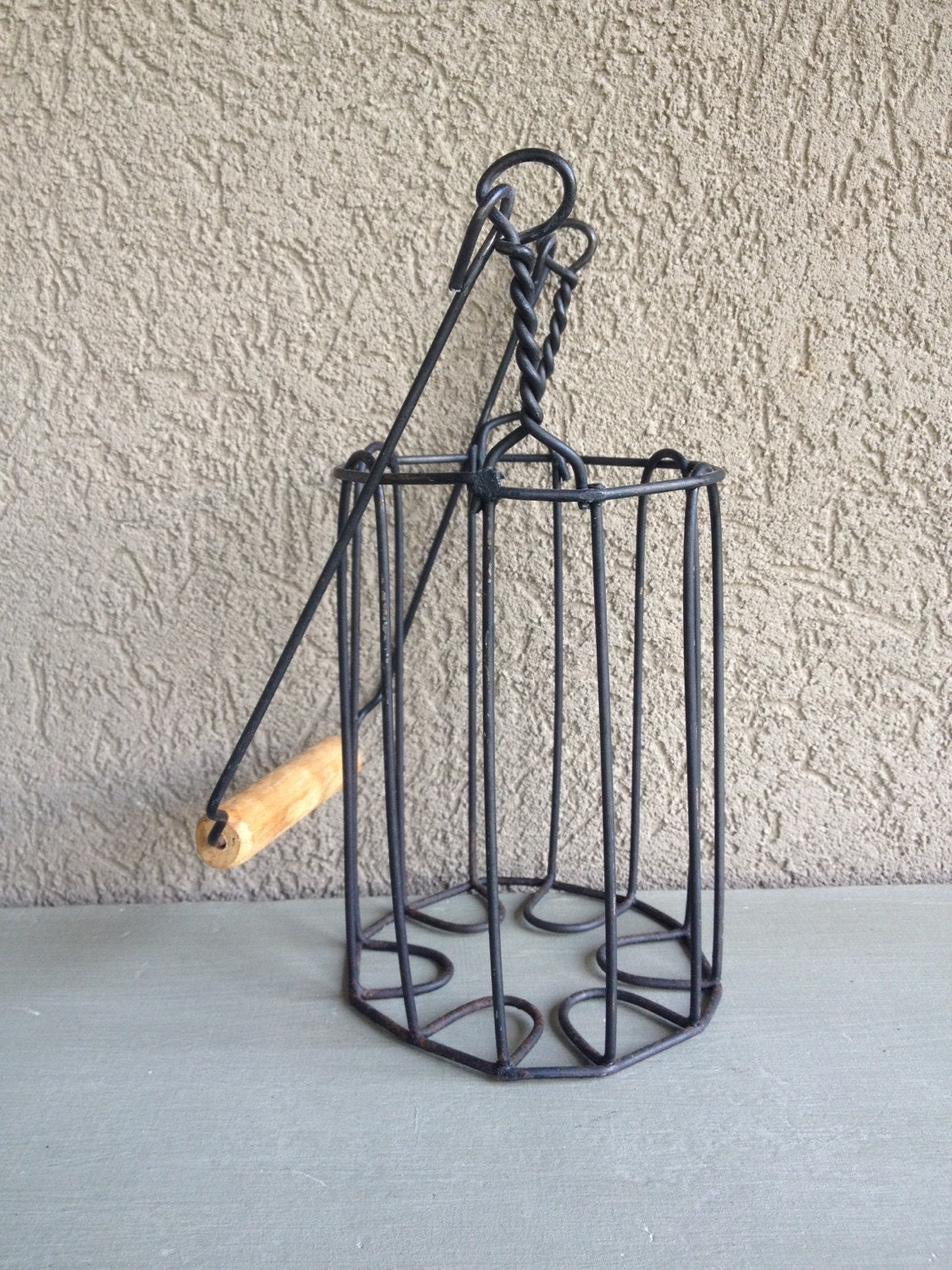 Vintage wire bottle carrier black metal single wine holder - Wire wine bottle carrier ...