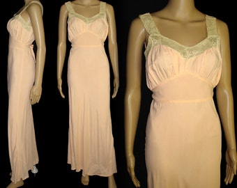 Vintage 1930s Gown//30s Gown//Lace//Sensuous//1930s Nighgown//