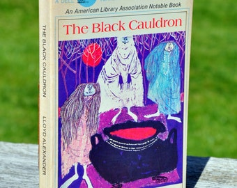 The Black Cauldron by Lloyd Alexander, a yearling book published 1975