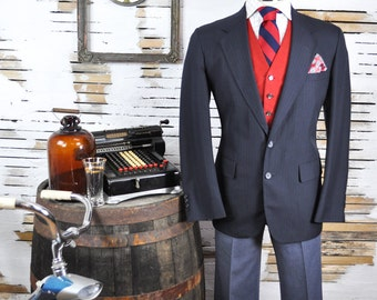 40R London Fog Dark Navy Blue Pinstripe Lightweight Wool Men's Blazer with Full Lining / Tailored in USA