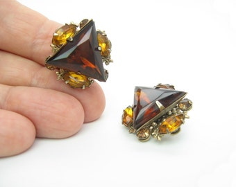 Triangle Earrings. Smoky Topaz Rhinestones. Fleur de Lis. Brown, Amber Clusters. Signed Beau Jewels. Vintage 1950s Mid Century Jewelry.