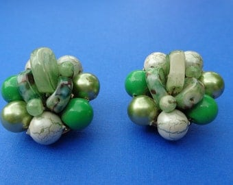 Green Bead Cluster Clip On Earrings
