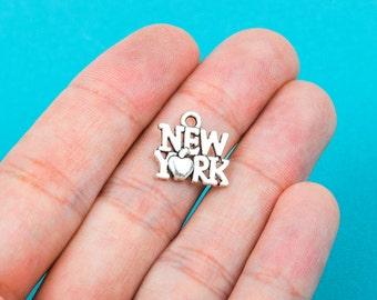 10 Antiqued Silver Tone Metal NEW YORK CHARMS Pendants . chs0254